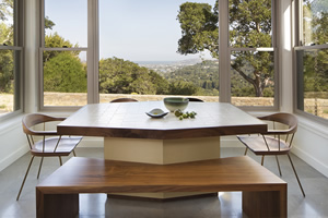 Marin table